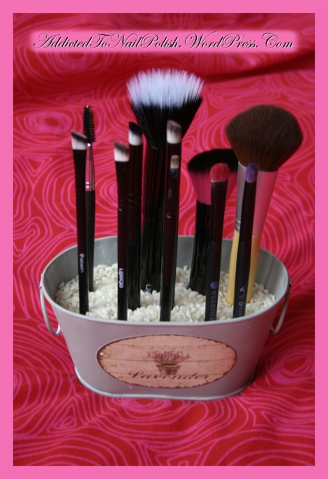 Organizing brushes
