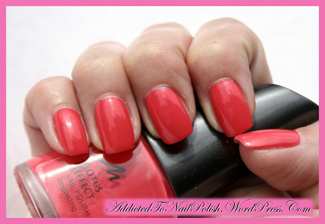 Swatch & review: Manhattan Lotus effect 43k long-lasting nail polish ...