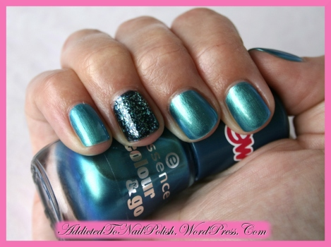 Swatch_Essence_Splash+GlitterJewels_Whole-Shade