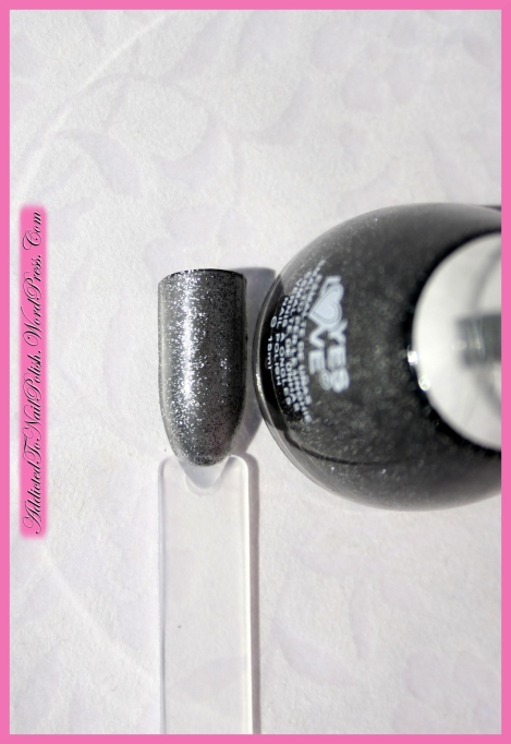 Review_YesLove_BlackGlitters1